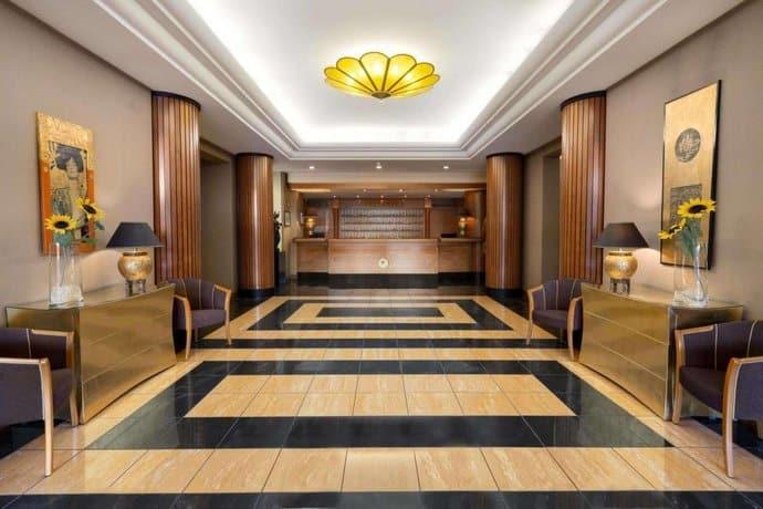 Hotel Napoli Circumvesuviana
